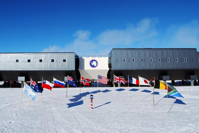 the south pole s ice stories dispatches from polar scientists